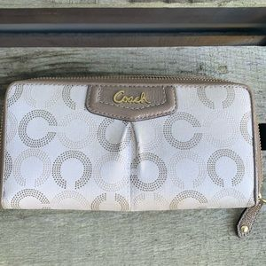 COACH Dotted Optic Art Ashley Accordian Wallet